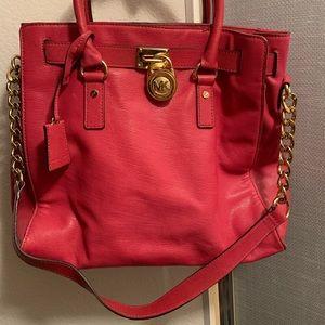 Michael Kors Hamilton purse. ✨
